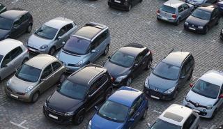 ¿Quién tiene prioridad al aparcar?