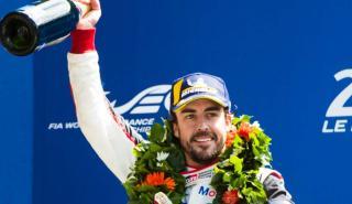 Alonso, en el podio de Le Mans