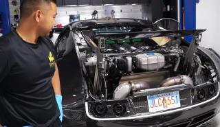 Así se cambia el aceite de un Veyron