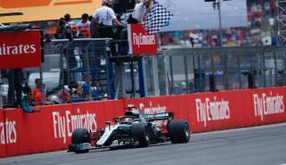 Lewis Hamilton gana en Alemania