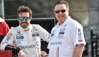 Fernando Alonso y Zak Brown