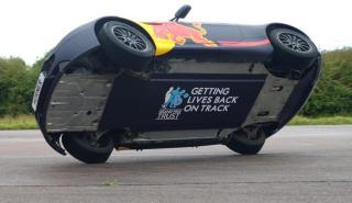 Christian Horner a dos ruedas con un Aston Martin