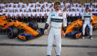Alonso en el pitlane de EEUU