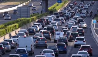 Coches contaminación, atasco en la ciudad de Madrid