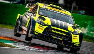 Ford Fiesta WRC Plus especial circuito salto