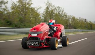 Honda Mean Mower V2 logra un nuevo Récord Guinness