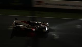 Noche de Alonso en Le mans