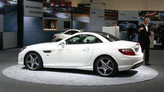 Nuevo Mercedes SLK, vista lateral y techo solar