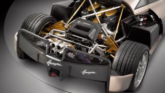 El motor del Pagani Huayra es un V12 6.0 AMG de 700 CV