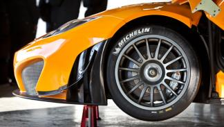 McLaren MP4-12C GT3 frenos
