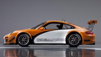 Porsche-911-GT3R-Hybrid-estatico-lateral