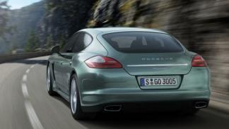 Porsche-Panamera-Diesel-movimiento-trasera