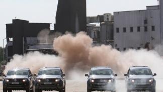 El Volkswagen Amarok derriba una chimenea frontal 2