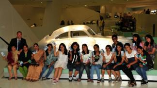 museo Porsche estudiantes la india