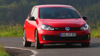 Volkswagen Golf GTI 35 Edition curva