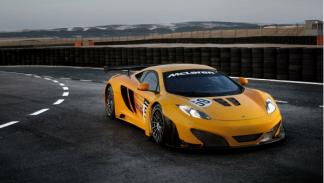 McLaren MP4-12C GT3 delantera