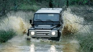 land-rover-defender-vadeo