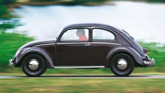 vw escarabajo antiguo lateral