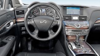Interior del Infiniti M 30d GT