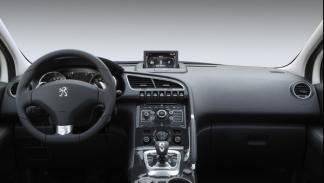 Peugeot 3008 Hybrid4 puesto de conducción