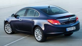 Opel-Insignia-2012-exterior-trasera