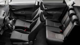 Subaru Trezia foto de los asientos