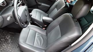 Dacia Duster laureate interior