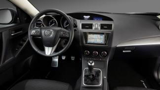 nuevo-mazda3-mazda-3-interior-consola-pantalla-navegador
