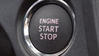 Subaru Trezia botón arranque