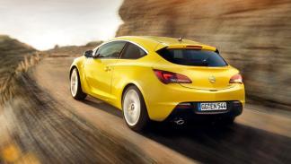 Trasera Opel Astra GTC