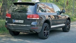 Segunda-mano-Volkswagen-Touareg-v10-tdi-trasera