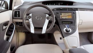 Interior del Toyota Prius PHV