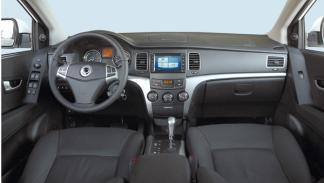 ssangyong-korando-diesel-automatico-interior-salpicadero
