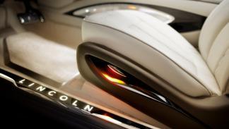 Lincoln MKZ Concept interior detalle