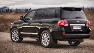 Toyota Land Cruiser 200 2012 trasera