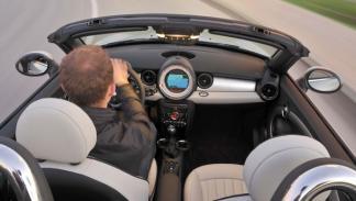 Mini roadster nuevo blanco salpicadero