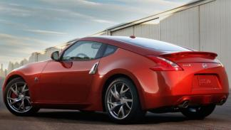 Nissan 370Z 2013 trasera tres cuartos