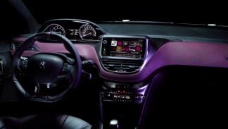 Peugeot 208 XY Salón Ginebra interior salpicadero