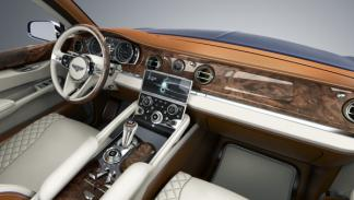 Interior del Bentley EXP 9 F Concept