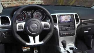 Jeep Grand Cherokee SRT8 interior