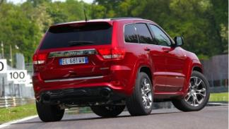 Jeep Grand Cherokee SRT8 trasera
