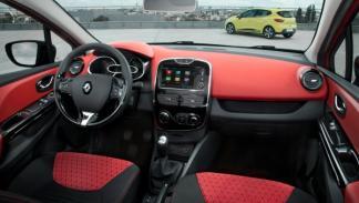 Renault Clio 2012 interior salpicadero