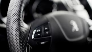 nuevo Peugeot 4008 interior  Salón de Ginebra 2012
