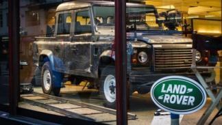 Land Rover Defender 110 Pick Up skyfall james bond