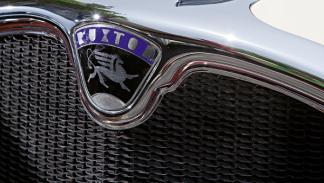 Ruxton Eight Sedan parrilla