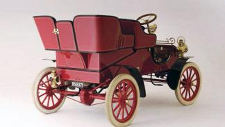 Ford A 1903 trasera