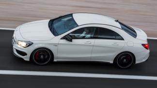 Mercedes CLA 45 AMG lateral