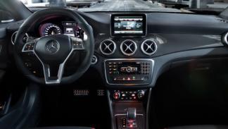 Mercedes CLA 45 AMG salpicadero
