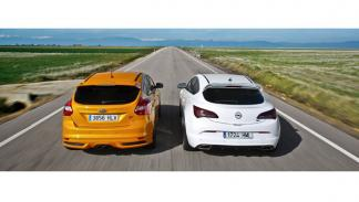 Ford Focus ST vs Opel Astra OPC trasera