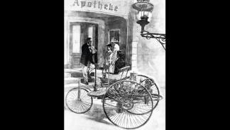 primera 'gasolinera' de la historia triciclo de Carl Benz